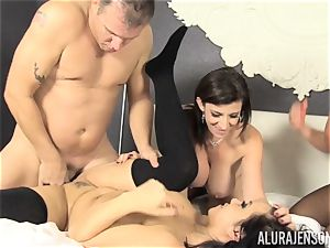 labia licking and cumswapping hookup with Alura Jenson and her gorgeous friends