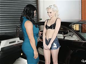 cougar Raven Heart and teenager Elsa Jean cunt trib
