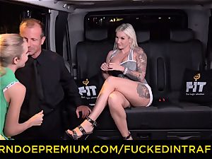penetrated IN TRAFFIC - spunky blondes car triangle pulverizing