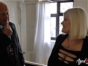 AgedLovE Lacey Starr poked rock-hard with Sales Agent