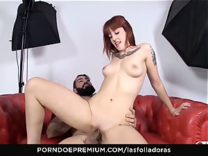 LAS FOLLADORAS - Lilyan red gang pounded hardcore