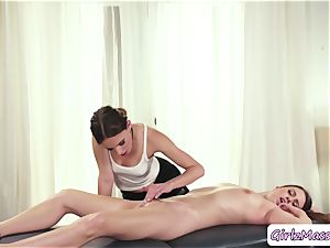 sumptuous Jill Kassidy gets her pussy ate by masseuse Jillian Jansons