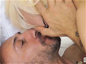 CastingAllaItaliana - Omar Galanti drills mature platinum-blonde