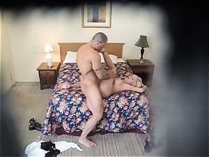 kinky Nina Elle fucks her dude at the motel