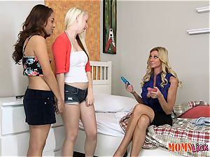 Stepmom Ceira Roberts trains these gals Darcie Belle and Nicki Ortega how to sensation each other right