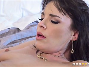 Dana Dearmond inflames her enjoy life with her nasty spouse