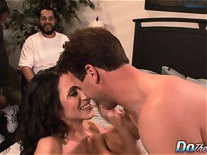 cheating wifey Ariella Ferrara smash man
