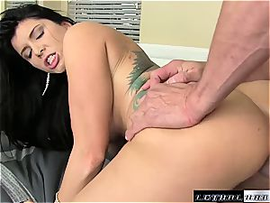 nasty milf Romi Rain craves for deep coochie humping