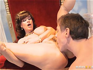 sugary cougar Lisa Ann is goddess of special poking