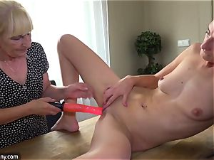 OldNanny Mature and nubile g/g toysex