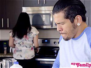 Brat Gets jizz-shotgun And jizm In Kitchen! - MyFamilyPies S4:E5