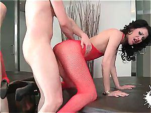 exclusive Samia Duarte inhales man-meat after undress poker