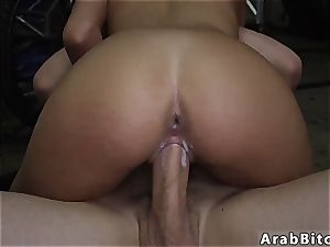 Public pay cash and arab duo first time Desert coochie