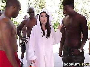 Melissa Moore gargles a few BBC's at once