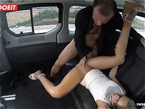 Czech customer Vinna Reed gets romped in taxi
