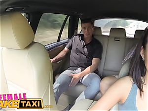 dame fake taxi accomplished coochie tonguing orgasms