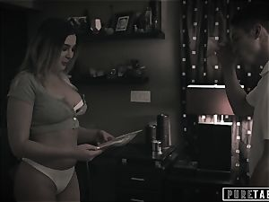 unspoiled TABOO Tricking Momma's boy StepBro into plowing!