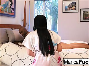 Marica gives a customer a super-cute utter bod massage