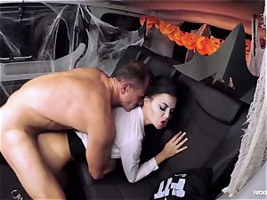 FuckedInTraffic - Jasmine Jae screws in Halloween garment