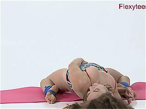 lithe babe Anka displays bare gymnastics