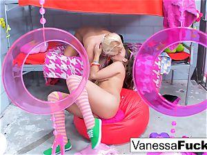 huge-chested Natasha super-cute pokes Vanessa box